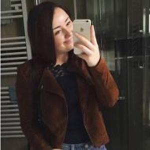 Aliya, 24 Jahre aus Genf, Schweiz