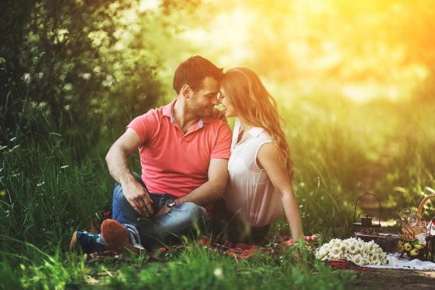 Verliebtes Paar auf Lovers-App